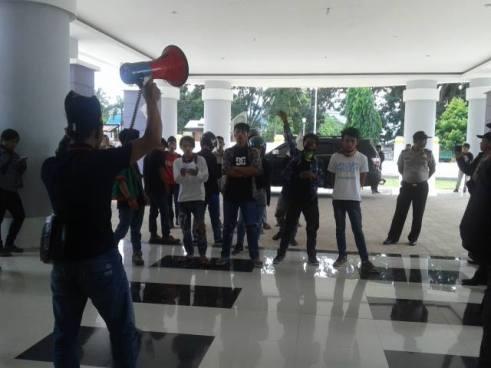 Demo di RSUD Polewali Tentang Buruk Pelayanan Terhadap Pasien