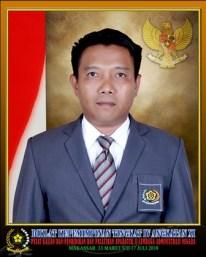 Abdul Malik, SH. Bekerja di Instansi DInas Penanaman Modal Pelayanan Terpadu Satu Pintu Kabupaten Polewali Mandar